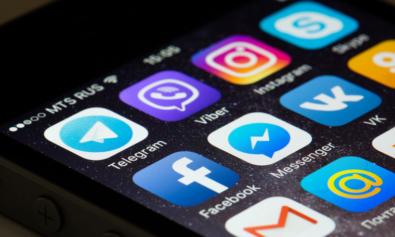 В Facebook и Twitter новый тренд, который пугает даже Трампа